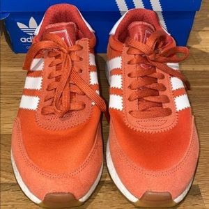 Adidas coral shoes
